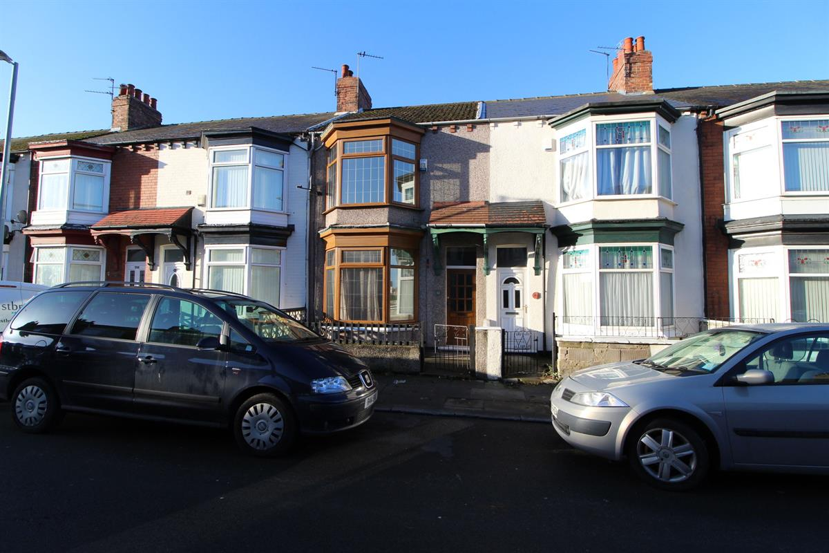 3 bed Semi-detached house For Rent in Middlesbrough, North Yorkshire - 1